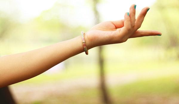 喘息の手のツボ